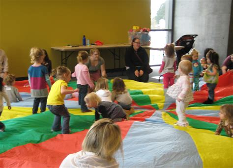 parachute play with babies and toddlers read sing play 272 | parachute