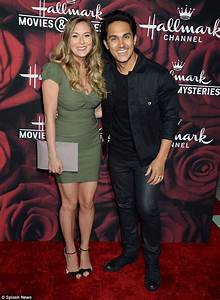 Nick Lachey and wife Vanessa join Dancing With The Stars ...