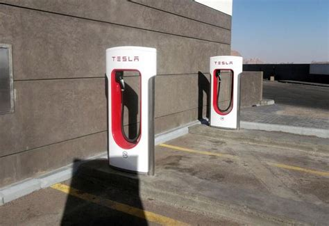 'lack Of Charging Stations Making Motorists Reluctant To
