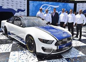 Ford Reveals 2019 NASCAR Cup Series Mustang | SPEED SPORT