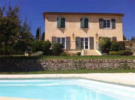 maison 2 chambres a vendre demeure provençale de type bastide édifiée sur un