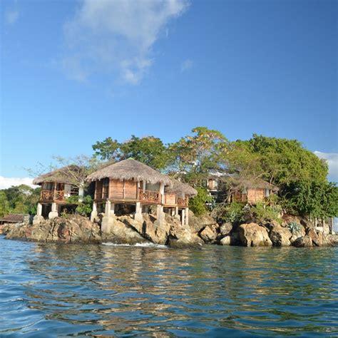 kitchen island or cart viaggi in africa madagascar maki lodge hirondelle