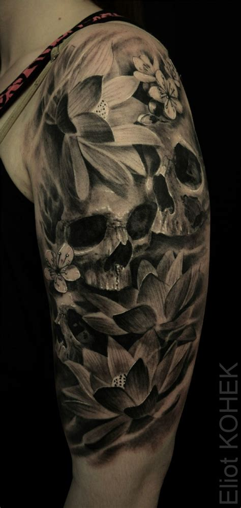 Permalink to Skull And Flower Back Tattoo