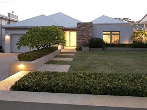 small contemporary house designs best 25 modern front yard ideas on large