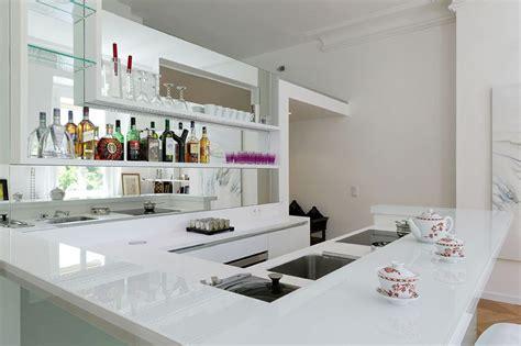 plan de travail cuisine corian cuisine lineaquattro en verre blanc