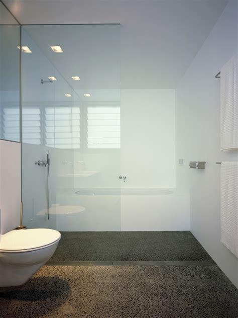 images  mini nyc bathroom  pinterest wall