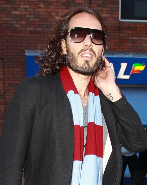 russell brand vote russell brand urges people not to vote