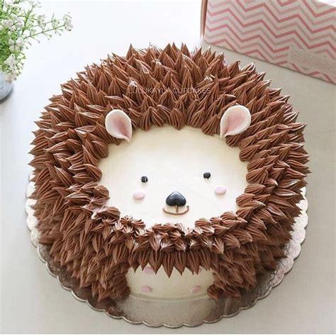hedgehog cake ideas  pinterest porcupine cake