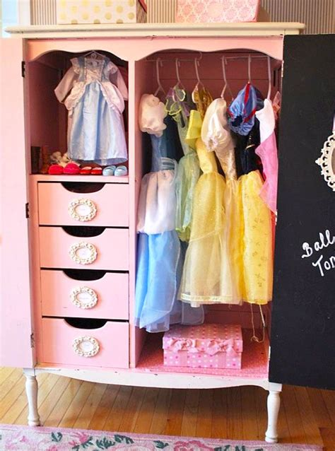 organize baby clothes create play travel