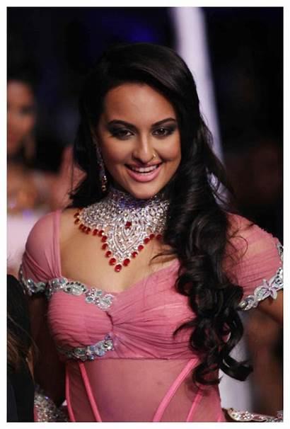 Sonakshi Sinha Wallpapers Boobs Boob Bollywood Star