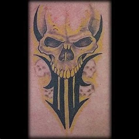 tatouage tete de mort 83 tatouages de cr 226 nes et de t 234 tes de mort