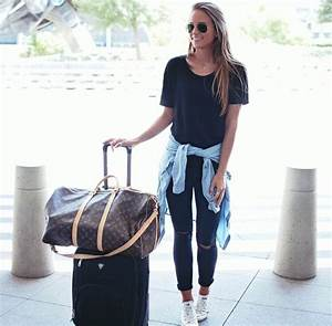 25+ Best Ideas about Comfy Airport Outfit on Pinterest | Plane travel outfit Travelling outfits ...