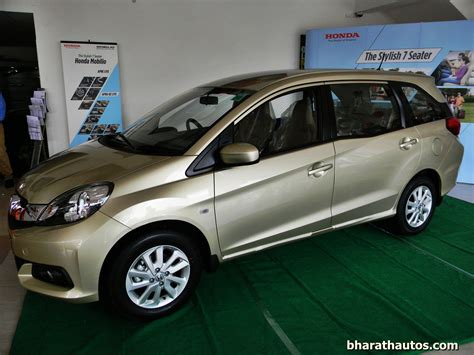 Honda Mobilio Hd Picture by Gallery Showroom Pics Of The 7 Seater Honda Mobilio Mpv