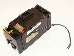 Used General Electric Ted124020 Circuit Breaker 2 Pole 20 Amp With 120v Shunt