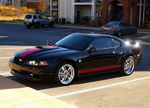 04 Ford mustang mach 1 specs