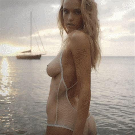 Hannah Ferguson S Got A Ridiculous Bikini Of The Day Drunkenstepfather Com