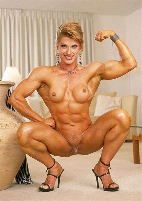 Sexy Muscular Women Posing And In Action Pichunter