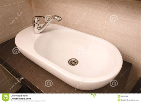 Tap Water From The Sink Royalty Free Stock Photos-image