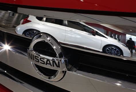 Nissan Autonomous Car 2020 by Nissan Gets Into Self Driving Mode Says Its Autonomous