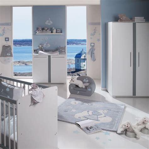 chambre bébé garçon noukie 39 s theme arthur et merlin