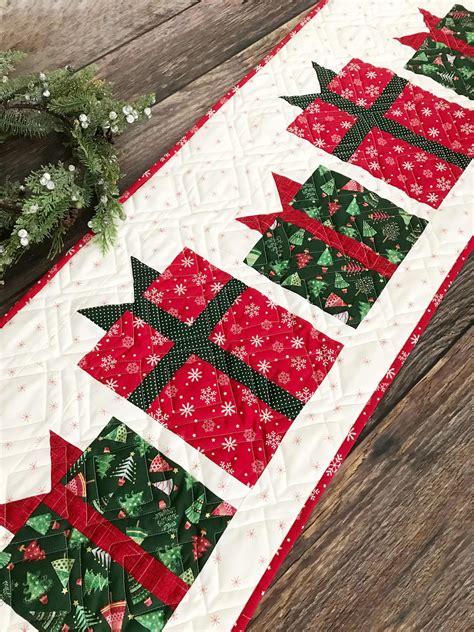 christmas present table runner pattern etsy