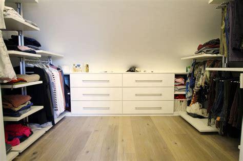 Ankleidezimmer Mit Dachschräge by Haeger Schrank 179 Begehbare Schr 228 Nke Und Ankleidezimmer