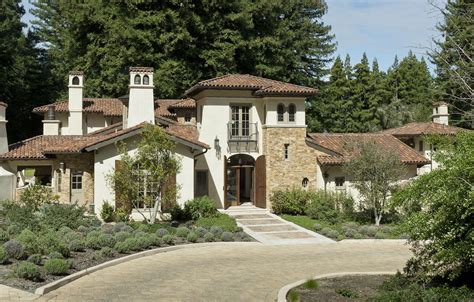 spanish hacienda courtyard house plans italian villa  santa lucia preserve  house