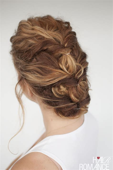 Curl Updo Hairstyles by 33 Modern Curly Hairstyles That Will Slay On Your Wedding
