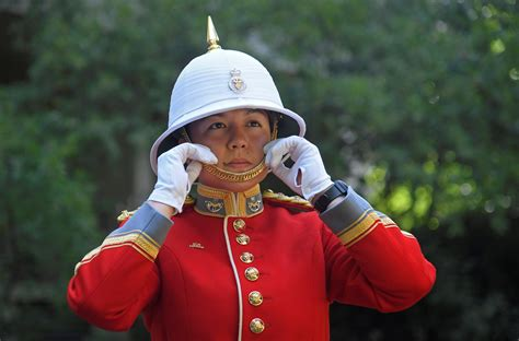 Canadian becomes first woman officer to lead Changing of ...