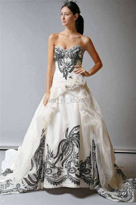 vintage white and black wedding dresses organza a line embroidery sweetheart bodice bridal gown
