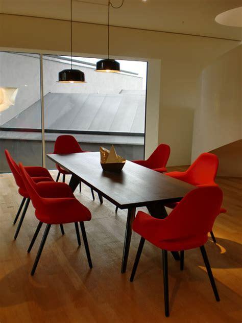 vitra organic chair design charles eames eero saarinen