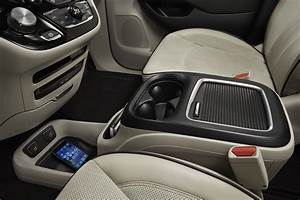 2017 Chrysler Pacifica Rear Center Console