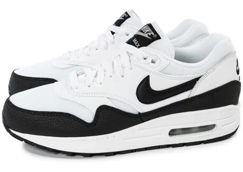 air max blanc nike air max 1 essential blanc noir chaussures chaussures chausport