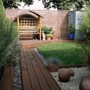 Holz Im Garten : garten selber gestalten die grundelemente und einige ideen ~ Frokenaadalensverden.com Haus und Dekorationen