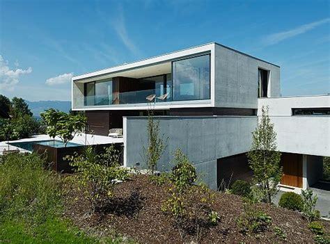 Moderne Häuser Im Hang by Haus Am Hang Im Vorarlberger Rheintal Architecture In