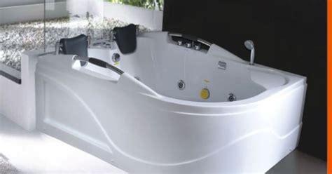 person tub person jetted bathtub hya