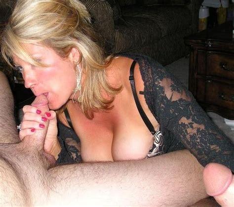 Big Tit Amateur Milf Blowjob