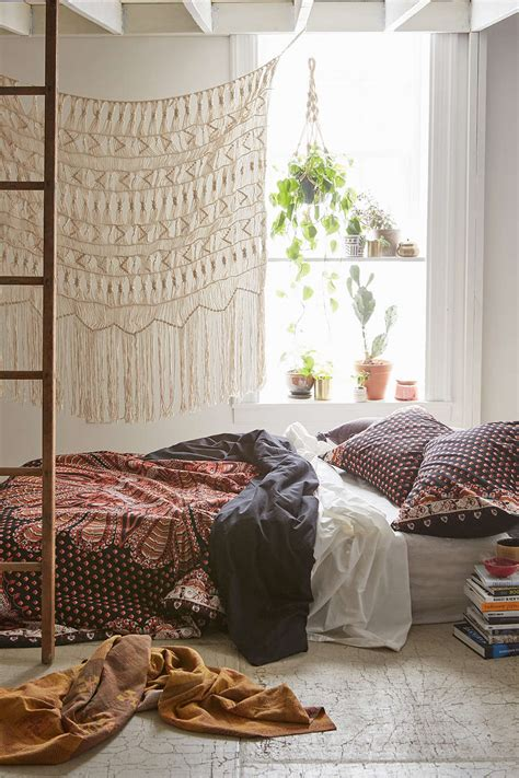 31 Bohemian Bedroom Ideas  Decoholic. Beveled Bathroom Mirror. Backyard Design. Wood Look Wallpaper. Study Room Design. Patio Bar Stools. Farmhouse Bathroom Sink. Permacast Columns. Custom Closets Nyc