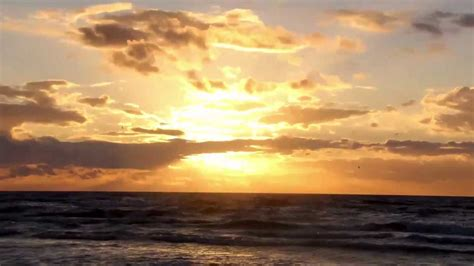 Baltijas jūra rudenī - YouTube