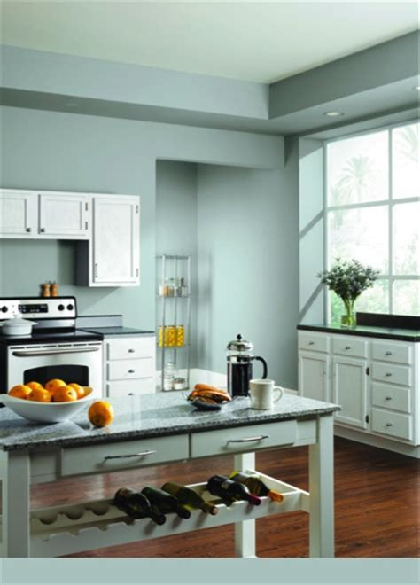 Breezy (SW 7616) creates a bright and relaxing kitchen