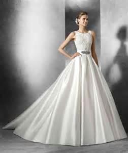 robes de mariã e robe de mariée en soie mikado robe de mariée décoration de mariage