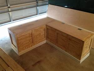 Kitchen Face Lift Phase 2 A Diy Breakfast Nook Bench E2 80