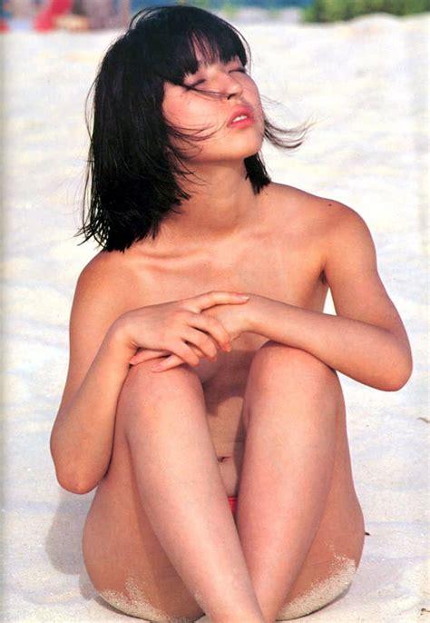 ヌード!芸能人・アイドルで抜くブログ 浜田朱里★少女の面影を残すスレンダーボディ
