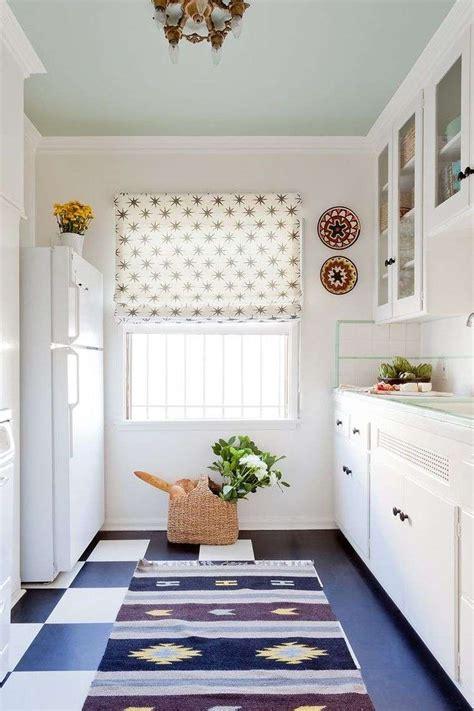 tapis de sol cuisine comment aménager une cuisine en longueur