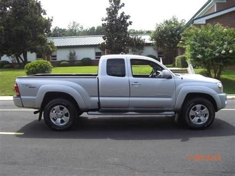toyota tacoma four door sell used 2007 toyota tacoma base extended cab 4