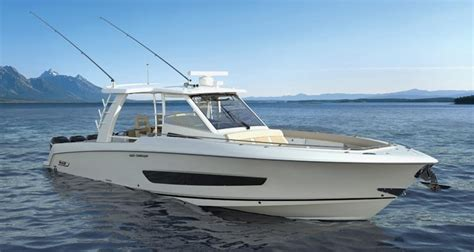 Whaler Tekne by Building Bigger Boats With Fiberglass Vacuum Infusion