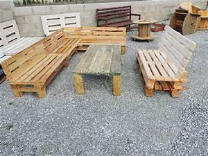 fabrication d39un salon de jardin en palettes meuble With fabrication meuble en bois de palette