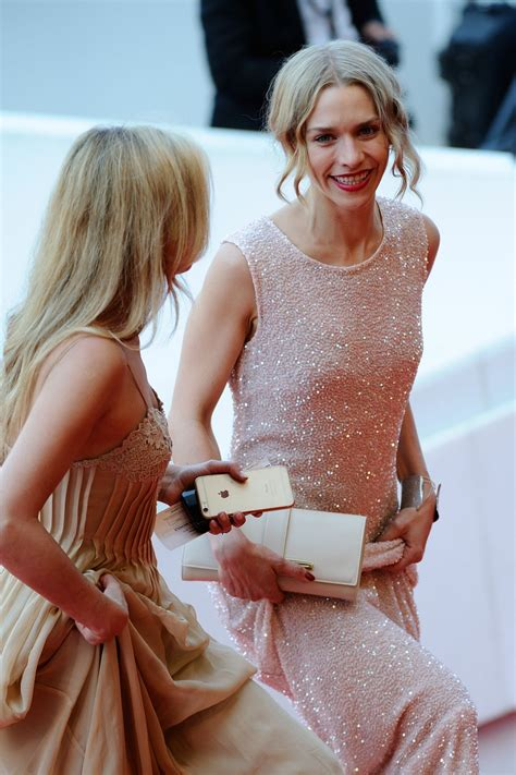 julia dietze  loving premiere   annual cannes