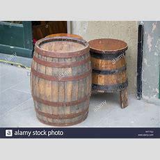 Wooden Barrel Wine Tun Stock Photos & Wooden Barrel Wine