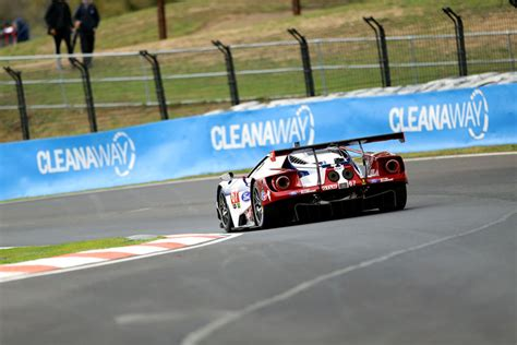 video briscoe commentates ford gt lap bathurst speedcafe